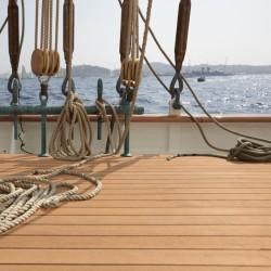 Parquet massif pont de bateau en teck